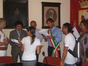 a-Giulianova-in-Abruzzo-…sindaco-in-camicia-a-maniche-corte.JPG