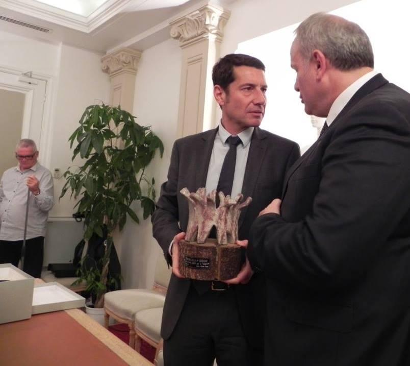"""Comune di Cannes – Consegna del premio """"Chiara Lubich per la fraternità"""" alla città 2 novembre 2015"""