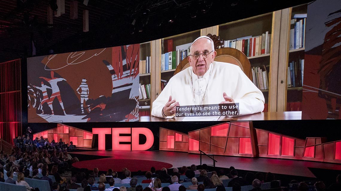 Papa Francesco – La Fraternità nelle scelte a livello politico, nei rapporti tra le persone, tra i popoli e i Paesi.